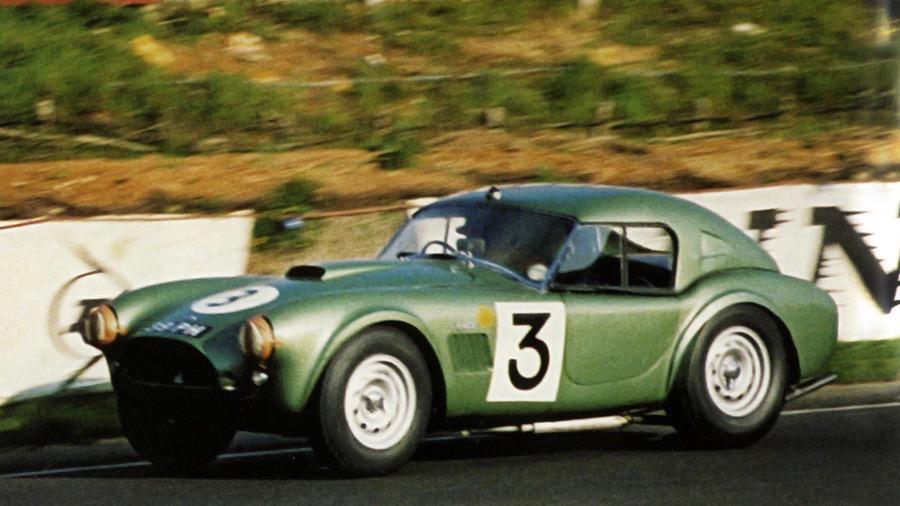AC Cars vytvorí elektrickú repliku pretekárskeho vozidla Cobra z Le Mans roku 1963