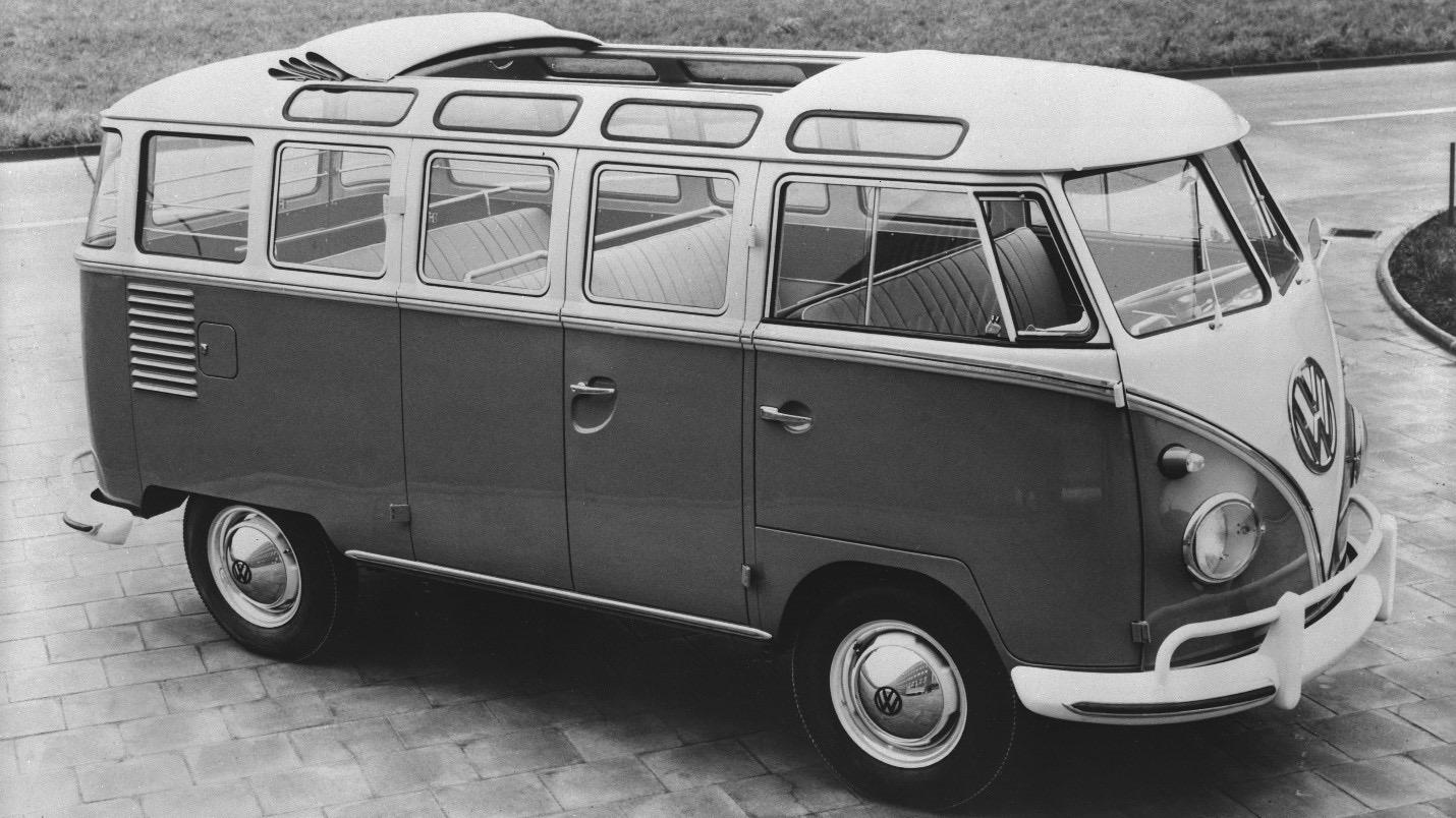 VW Bus s 23 oknami bol vytvorený na cestovanie po Švajčiarskych Alpách